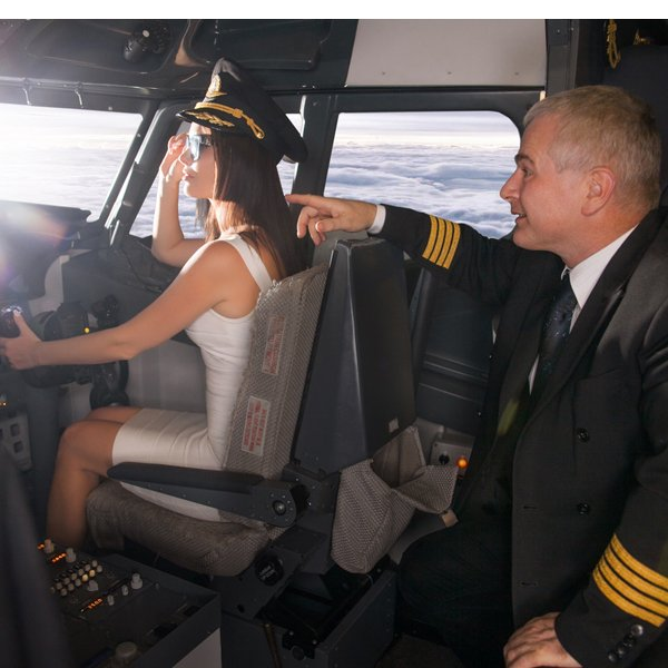 Learn to Fly in a Boeing 737 Flight Simulator