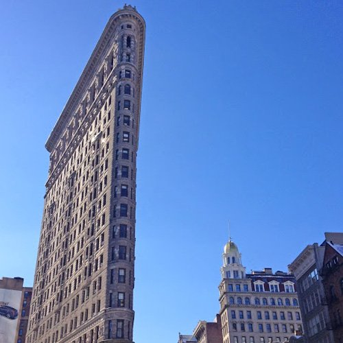 Photo Opportunities In Front Of The Flatiron Building
