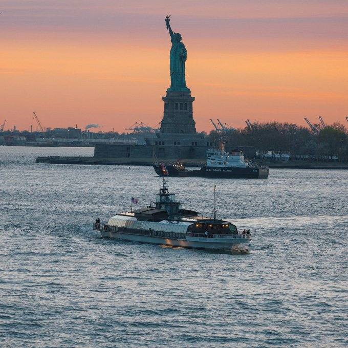 Romantic Dinner Cruise in NYC