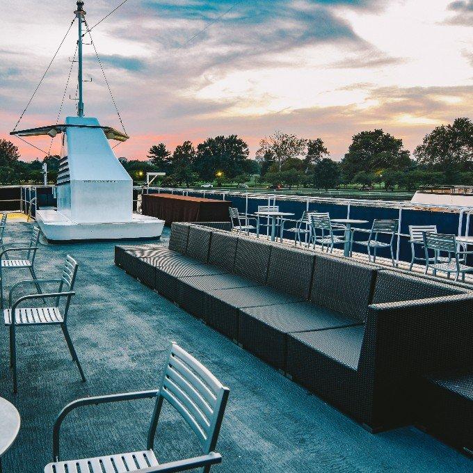 View on Mount Vernon Cruise