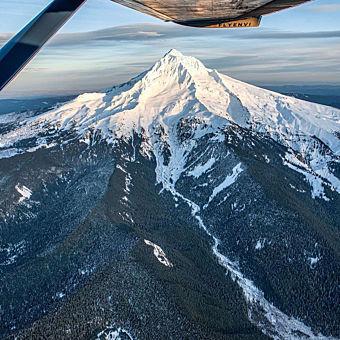 Mount Hood Scenic Aerial Tour
