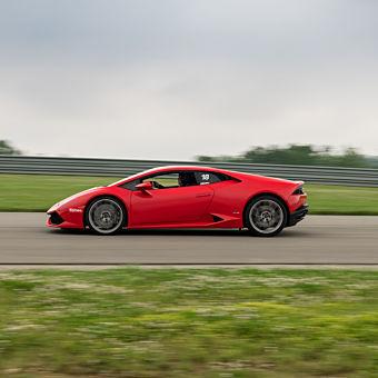 Drive a Lamborghini near St Louis