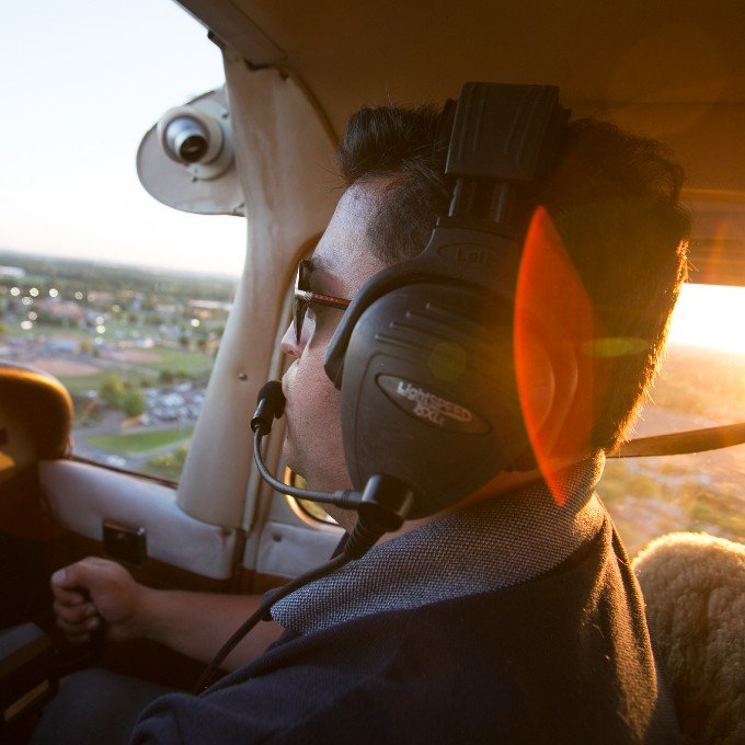 Introductory Flight Lesson in a Cessna 152 near Nashville