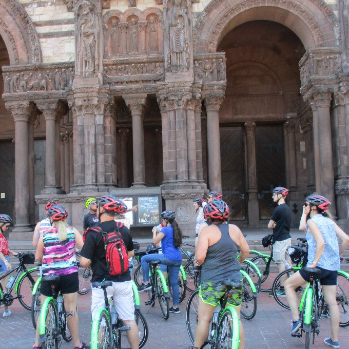 Guided Group Bike Tour in Boston